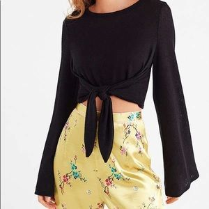URBAN OUTFITTERS CROP TIE SWEATER (FRONT/BACK TIE)